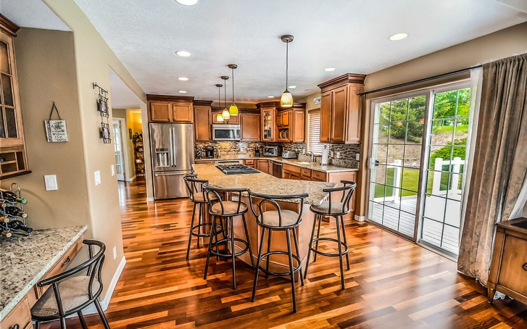 features for your new home include a kitchen island